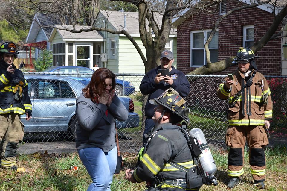 Hanahan Firefighter Responds To House Fire Surprises Girlfriend